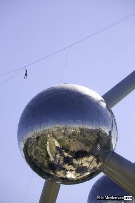 Atomium death ride